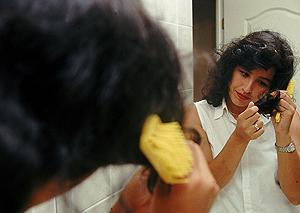 Son muchísimas las alternativas de aceites para el cabello que existen en  el mercado, cada uno con sus propiedades específicas dar brillo, humectar,