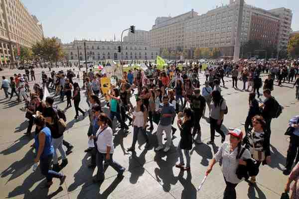 Revisa los desvíos de tránsito para este jueves en Santiago por marcha de estudiantes secundarios