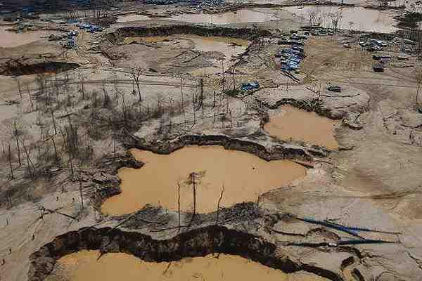 Perú decreta estado de emergencia por contaminación con mercurio en la Amazonía
