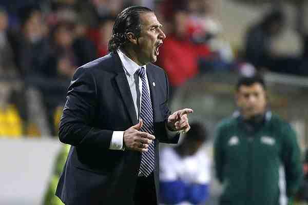 Pizzi no dramatiza con la caída ante Jamaica y evita referirse a la ausencia de Valdivia