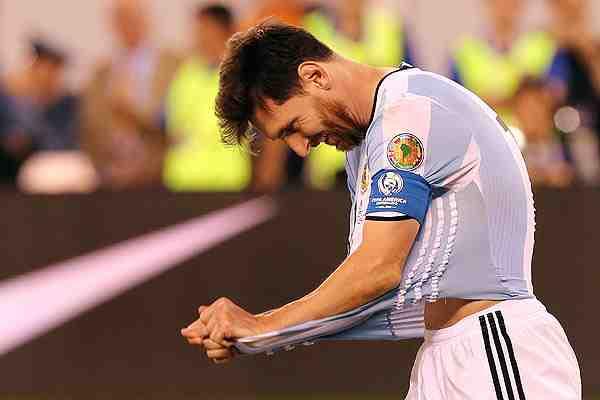 """Messi renunció a la selección argentina tras perder la final: """"No es para mí"""""""