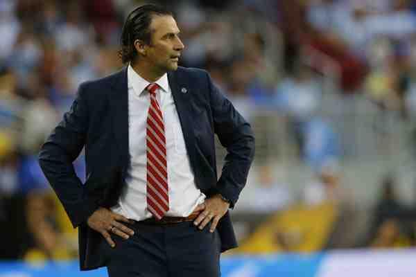 """Pizzi destacó a Aránguiz en el título de la Copa: """"Ningún jugador en el mundo puede hacer su trabajo"""""""