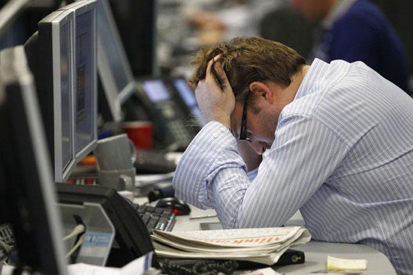 Por qué Chile se mantiene en el top 5 de los países con más horas de trabajo de la OCDE