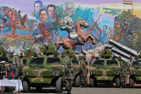China dona a Bolivia 31 vehículos militares blindados valorados en 8 millones de dólares