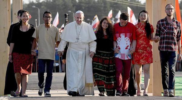 Resultado de imagen para papa francisco y jovenes en Aparecida