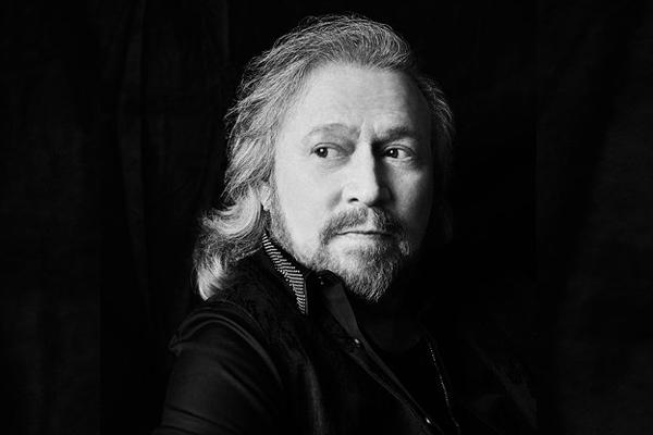 Barry Gibb de Bee Gees lanzará su debut solista en octubre