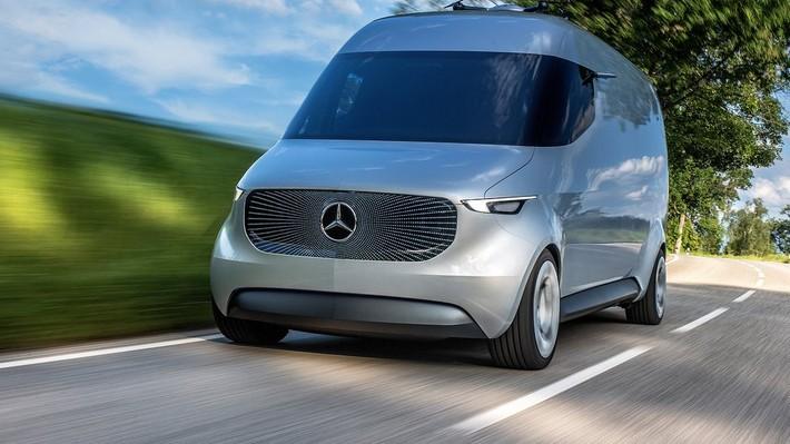 Mercedes quiere usar drones en su furgón del futuro