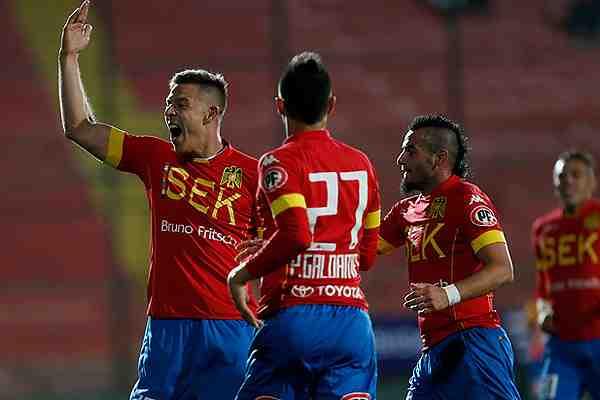 Unión Española gana al líder Iquique y queda como su escolta en el Torneo de Apertura