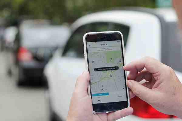 Gobierno legalizará las aplicaciones Uber y Cabify con regulación a conductores y autos