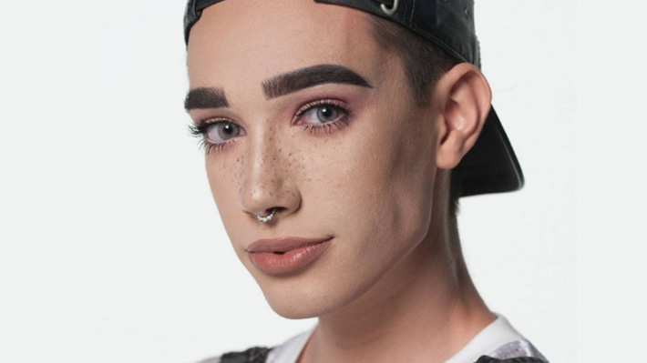 Conoce a James Charles, el joven que logró transformarse en rostro de una marca de maquillaje