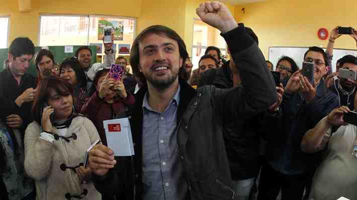 ¿Quién es Jorge Sharp? El candidato por Valparaíso que dio la gran sorpresa en las municipales