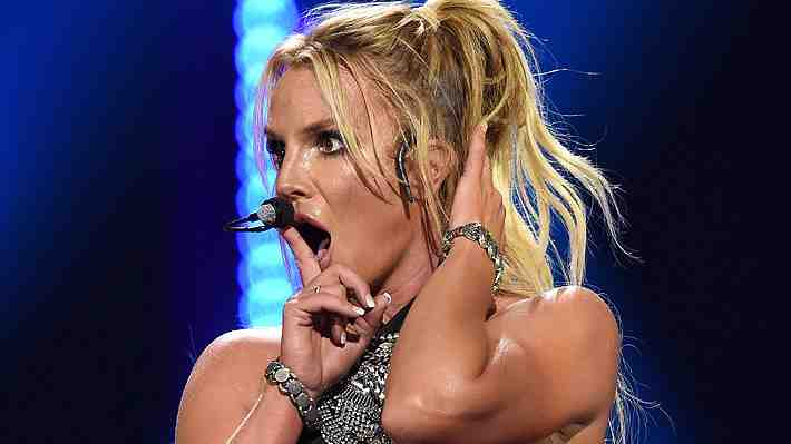 Britney Spears sufre accidente con su vestuario en show de Las Vegas