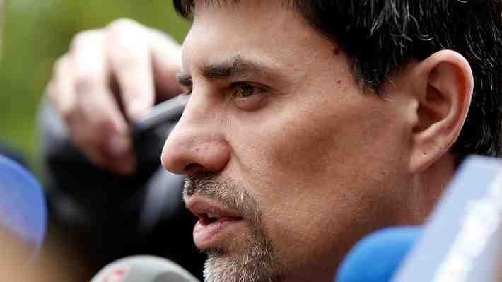 """Gobierno cede a las presiones y vocero anuncia """"cambios en muy breve plazo"""" en el gabinete"""