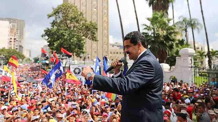 """Congreso de Perú denuncia """"golpe de Estado"""" en Venezuela"""