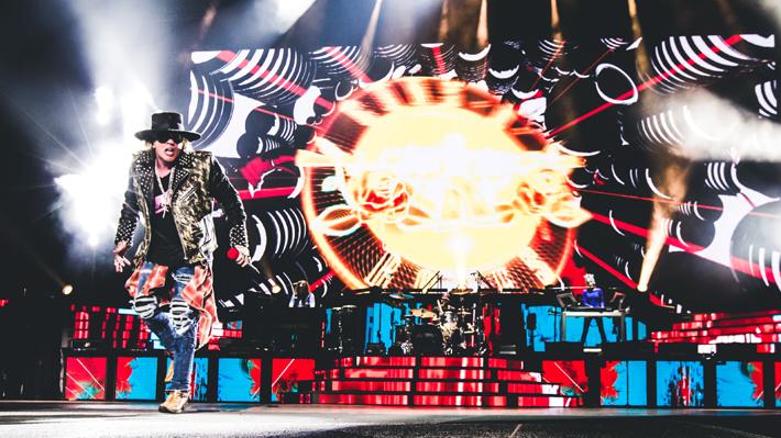 Unos reunificados Guns N' Roses desatan la algarabía en su cuarta visita a Chile