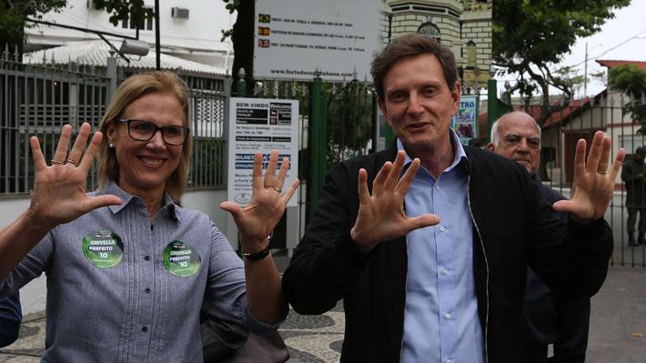 Obispo evangélico Crivella se impone en las elecciones de Río de Janeiro