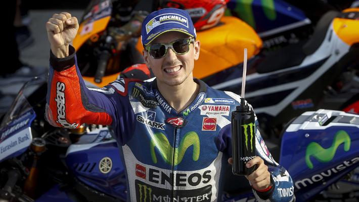 Lorenzo gana su última carrera con Yamaha e impide la victoria del campeón Márquez