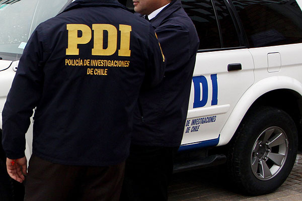 Jóvenes se hacían pasar por efectivos de la PDI para detener a delincuentes: Se apodaban