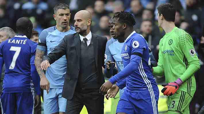 Guardiola genera polémica en Inglaterra por negarle el saludo a Fábregas tras el City-Chelsea