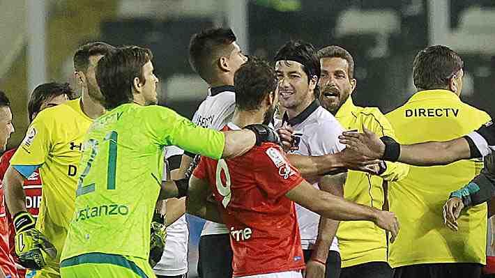 """Valdés reclama por su sanción en Copa Chile y se """"defiende"""" con video de agresión de un jugador de la U"""