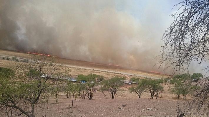 Declaran alerta roja en Lampa por incendios en las cercanías del camino Lo Echevers