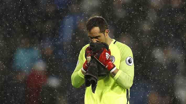 """¿Crítica para Bravo?: Guardiola lamenta que """"estamos concediendo goles que no había encajado en mi carrera"""""""
