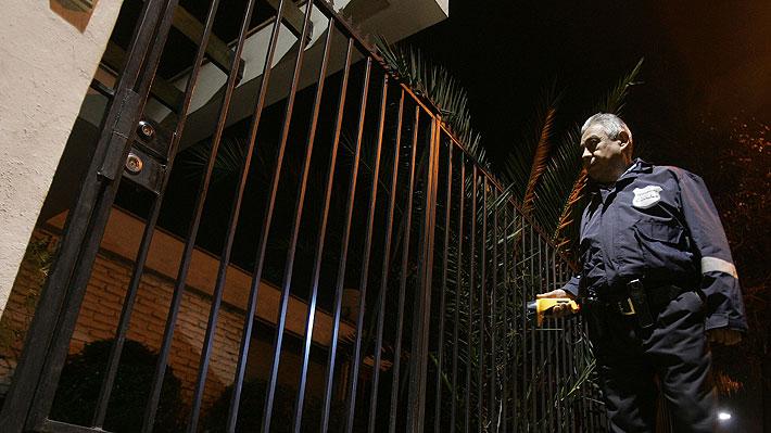 Expertos plantean dudas sobre uso de gas pimienta y electroshock por parte de guardias municipales de Las Condes