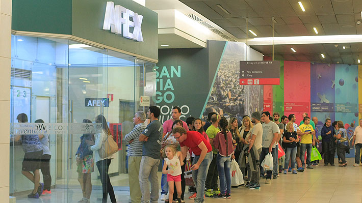 Tour de compras por malls de Santiago  El nuevo boom turístico para  argentinos   Emol.com 8a1961525c