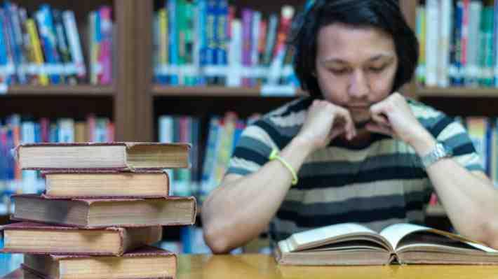 Uno de cada tres estudiantes deserta al primer año de la educación superior