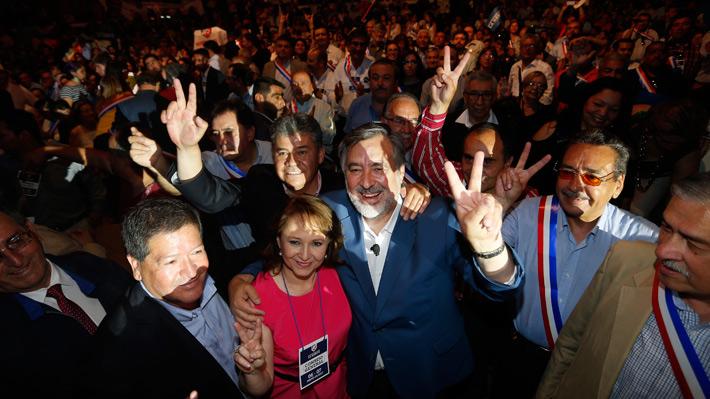 Guillier es proclamado por el PR y se convierte en el primer candidato oficial de un partido de la NM