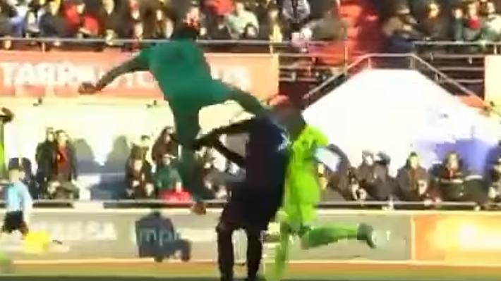 La escalofriante y brutal patada en la cabeza que dejó con traumatismo facial a jugador en España