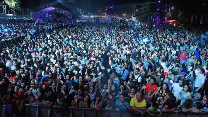 Postergan Festival de Dichato por incendios y el de Talca se mantiene, pero con campaña solidaria
