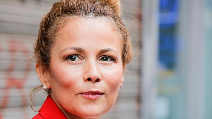 Cathy Barriga presenta denuncia ante el CNTV tras ser