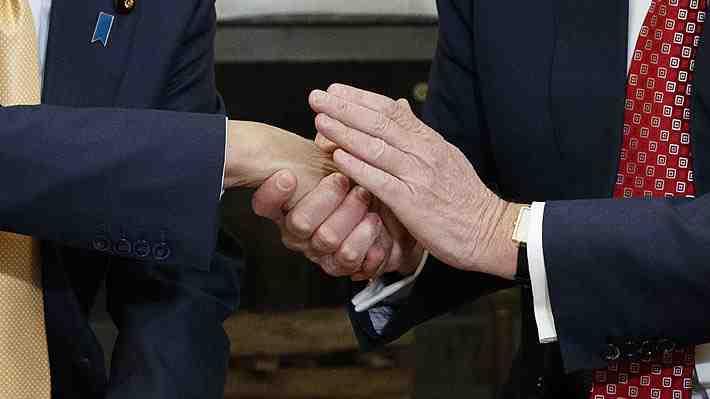 Trump y sus saludos: ¿Qué transmiten los diferentes tipos de apretones de manos entre hombres?