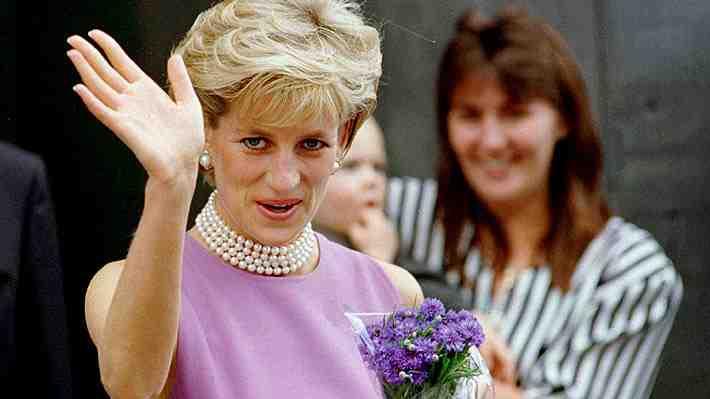 """Gran Bretaña no olvida a la """"princesa del pueblo"""": Los tributos que recordarán a Diana a 20 años de su muerte"""