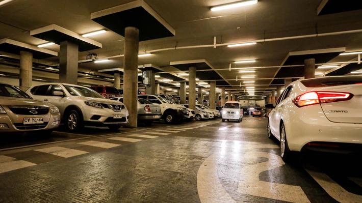 Ley Estacionamientos: Sernac interpondrá 39 denuncias y oficiará a seis empresas por incumplimientos