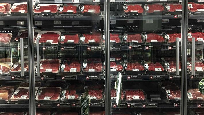 Gobierno de Brasil amenaza con represalias si Chile cierra el mercado a sus carnes