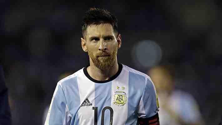 FIFA castiga con cuatro partidos a Messi y no jugará hoy ante Bolivia. ¿Sanción merecida? Opina...