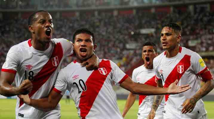 Un ilusionado Perú gana a un Uruguay que ahora solo supera por diferencia de goles a Chile
