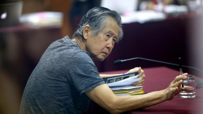 Alberto Fujimori es llevado a la clínica tras recaída de males crónicos