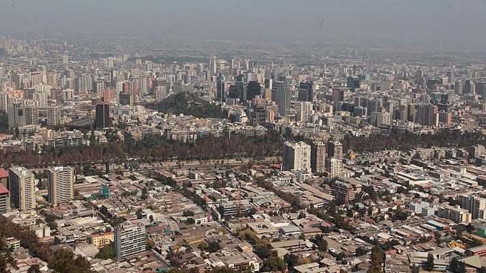 Estudio revela que 3,6 millones de santiaguinos tienen una deficiente calidad de vida urbana
