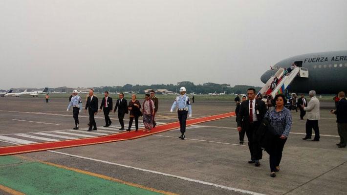 Presidenta Bachelet llega a Indonesia para realizar visita de Estado y acelerar negociaciones del TLC