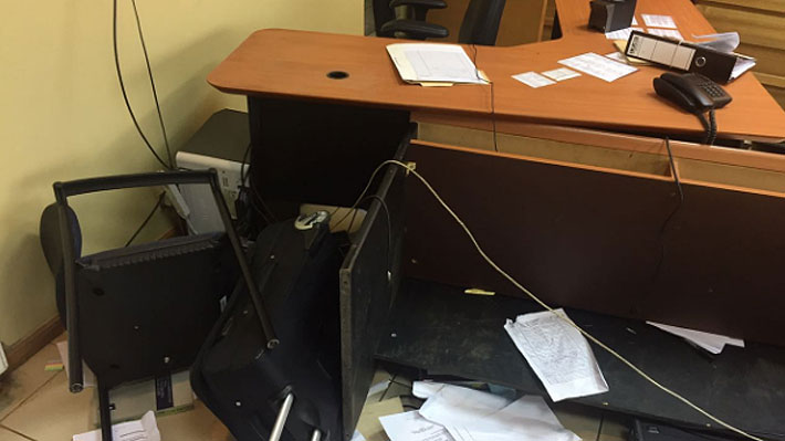 Comuneros mapuches agreden a fiscal y causan destrozos en tribunal de Garantía de Collipulli