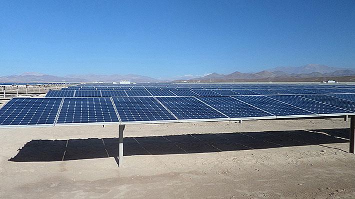 Investigan a programa de EE.UU. que prestó casi US$1.000 millones a proyectos de energía en Chile