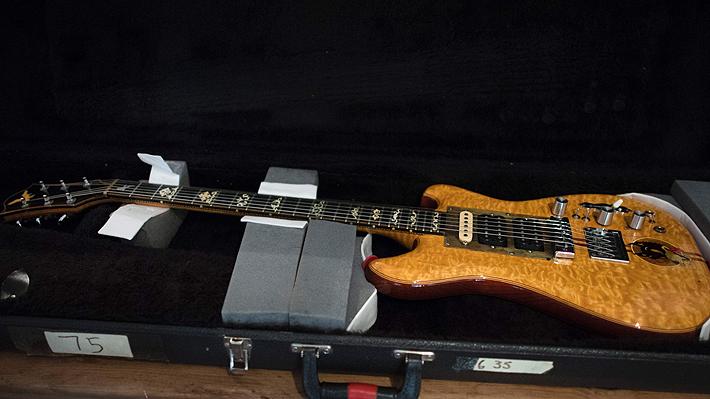 Guitarra Wolf de Jerry García se vende por $1,9MM
