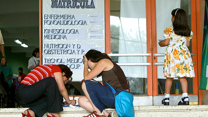Crisis vocacional en universitarios: Experta plantea cómo detectar y enfrentar esa situación