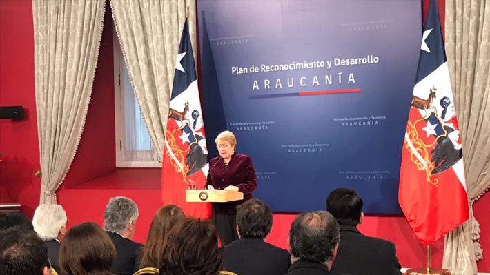 Plan Araucanía: Bachelet anuncia reparación económica para víctimas y un feriado por el Día de los Pueblos Originarios