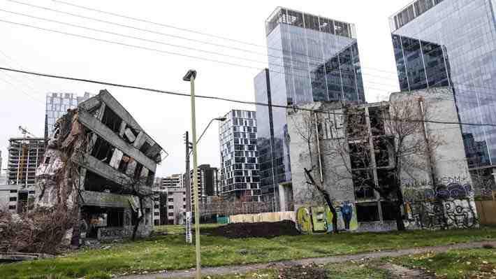 Polémica por la demolición de Villa San Luis en Las Condes: incluso piden declararla monumento histórico. ¿Cómo lo ves?