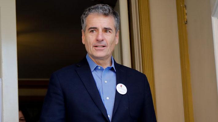 Andrés Velasco confirma que será candidato al Senado pero evita decir en qué región