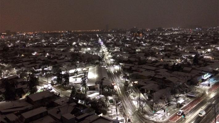 Resultado de imagen para Fuertes nevadas provoca cortes eléctricos en Chile